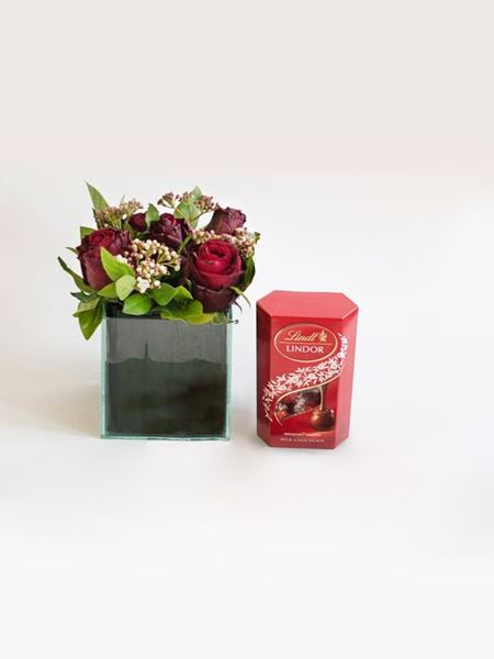 Snack & Gift Hampers: Red Rose Lindt Treat with 50g Lindt Lindor
