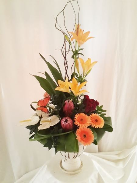 Arrangements: Traditional arrangement