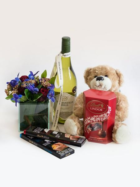 Snack & Gift Hampers: Lindt Teddy Treat Box