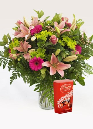 Arrangements: Heavenly Pink Vase Arrangement with Lindt Lindor