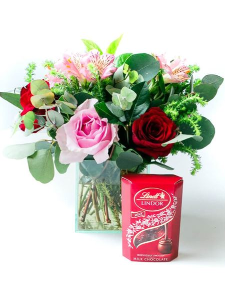 Snack & Gift Hampers: Romantic Rose Lindt Treat with 50g Lindt Lindor