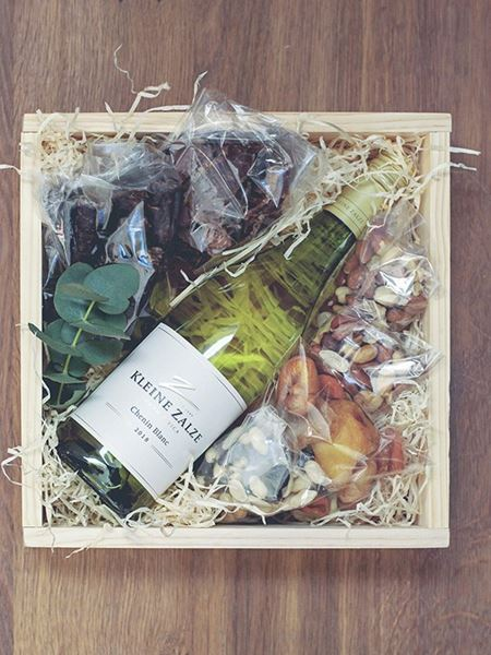 Snack & Gift Hampers: White Wine, Nuts & Biltong